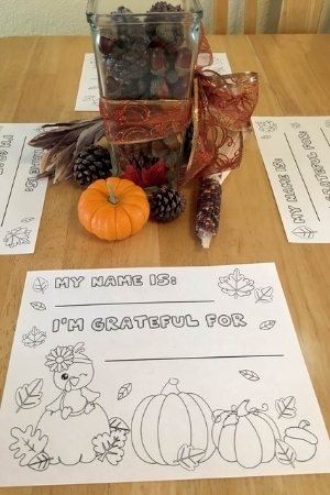 Thanksgiving placemats on table